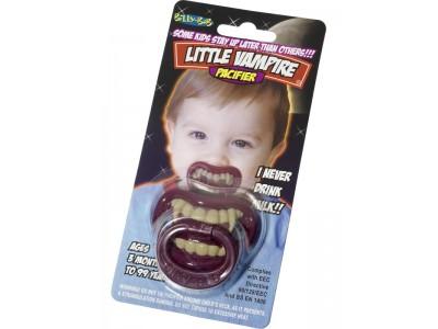 Suzeta cu dinti de vampir