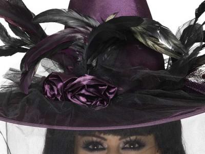 Palarie de vrajitoare violeta cu pene si voal